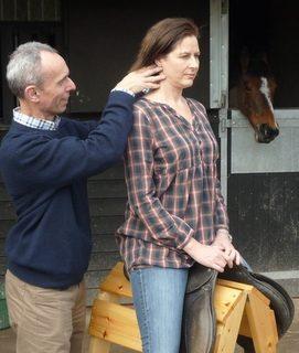 Ensuring the neck remains free